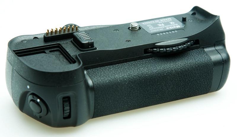 Купить Батарейный блок Meike Nikon D300, D300S, D700 (Nikon MB-D10)