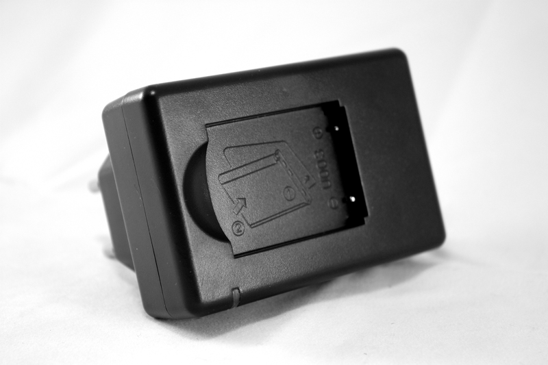 Купить Сетевое зарядное устройство PowerPlant Olympus Li-40B, Li-42B, D-Li63, KLIC-7006 EN-EL10, NP-45 Slim